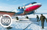 Fly an Airplane on Skis   Antarctica 360 VR Video   Discovery TRVLR